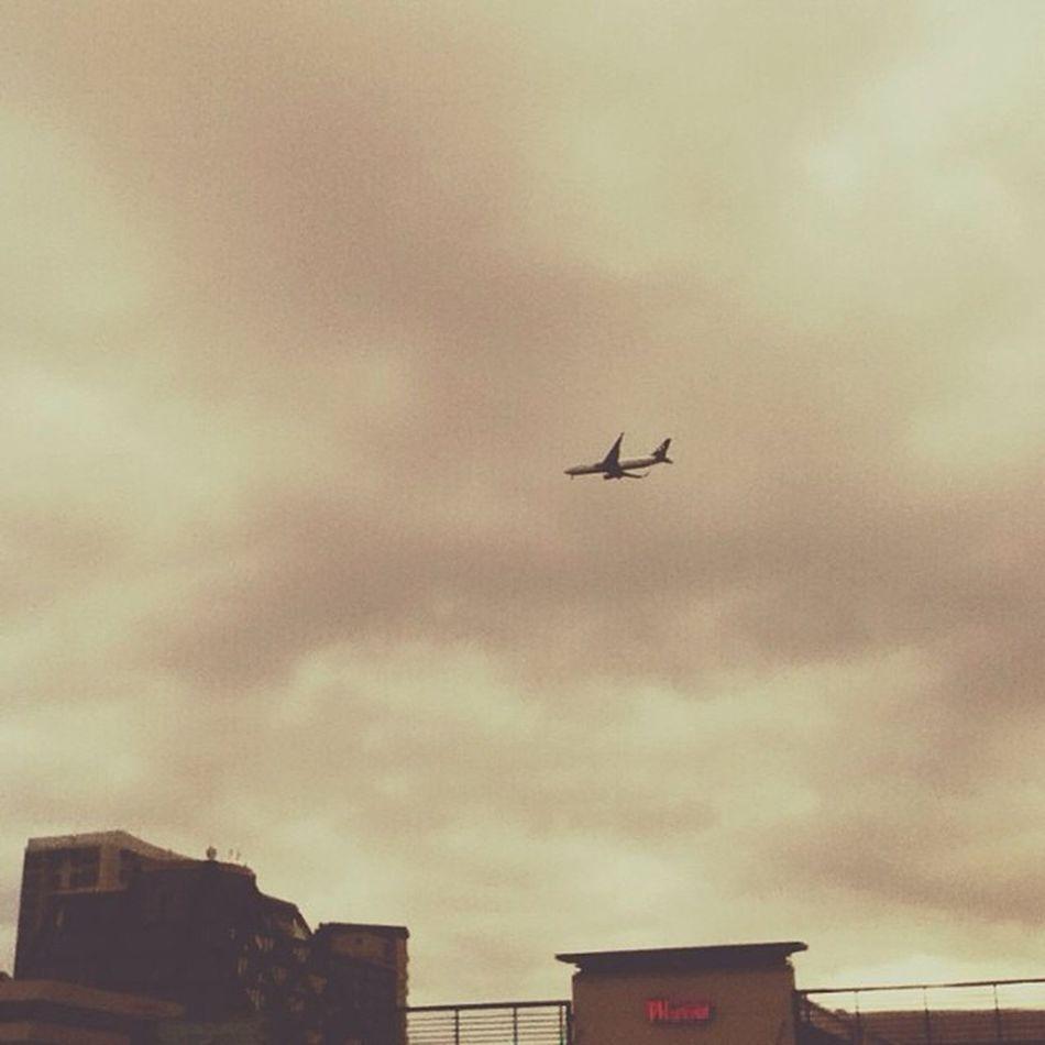 Air New Zealand 767 landing into Auckland 767 Auckland Aucklandairport Airnz airnewzealand follow4follow