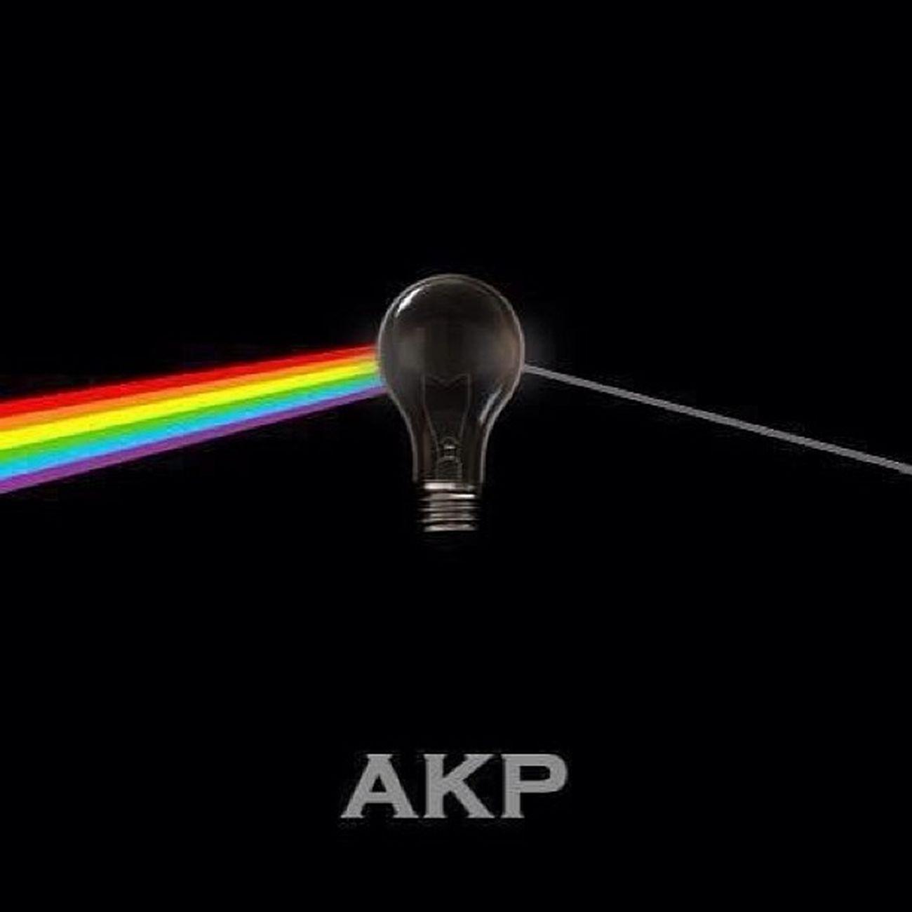 Bir Türkiye ozeti veya Akp ozeti iste... Ampul Isik siyaset turkey yaratici creative