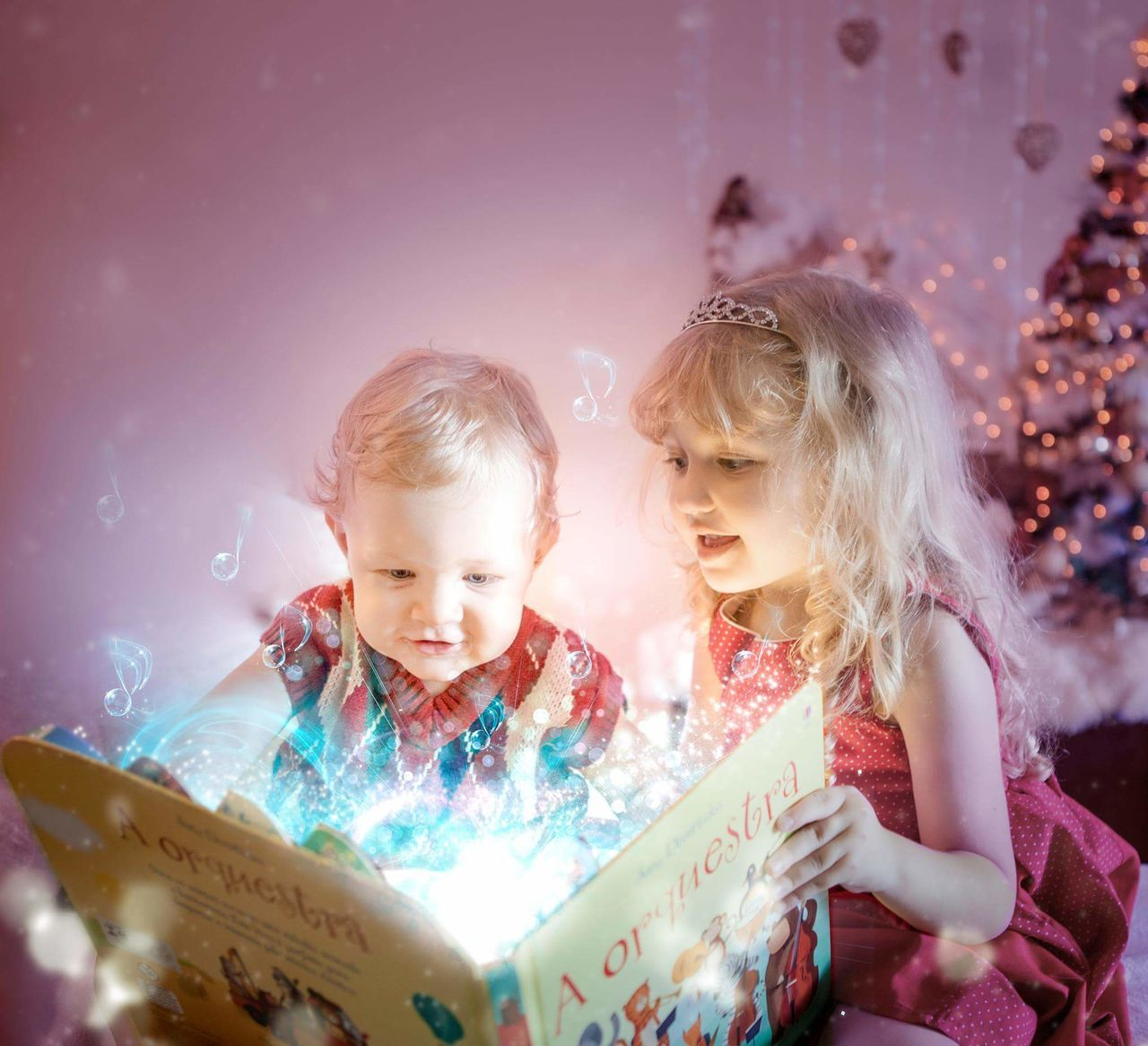 Music.. Cute Studio Shot Babies Natal Marry Christmas Xmas Decorations Orquestra Music Instruments Notas Livro  Books Bookmagic Mágica Alinedeptulsky Happiness Children Only Smiling Blond Hair Long Hair Pretty♡