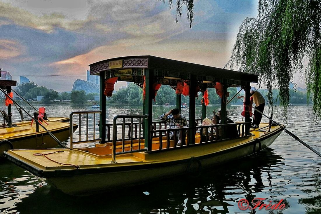 This Is Beijing Water Transportation Sky Reflection Lake Cloud - Sky Outdoors Nature In Beijing Eye4photography  City Life HUMANITY Eye4photography  China In My Eyes Street Photography BEIJING北京CHINA中国BEAUTY EyeEm Gallery People And Places. My Beijing 2016 Chaoyang Park China Photos Tourist Attraction  Touristic Tourist Destination