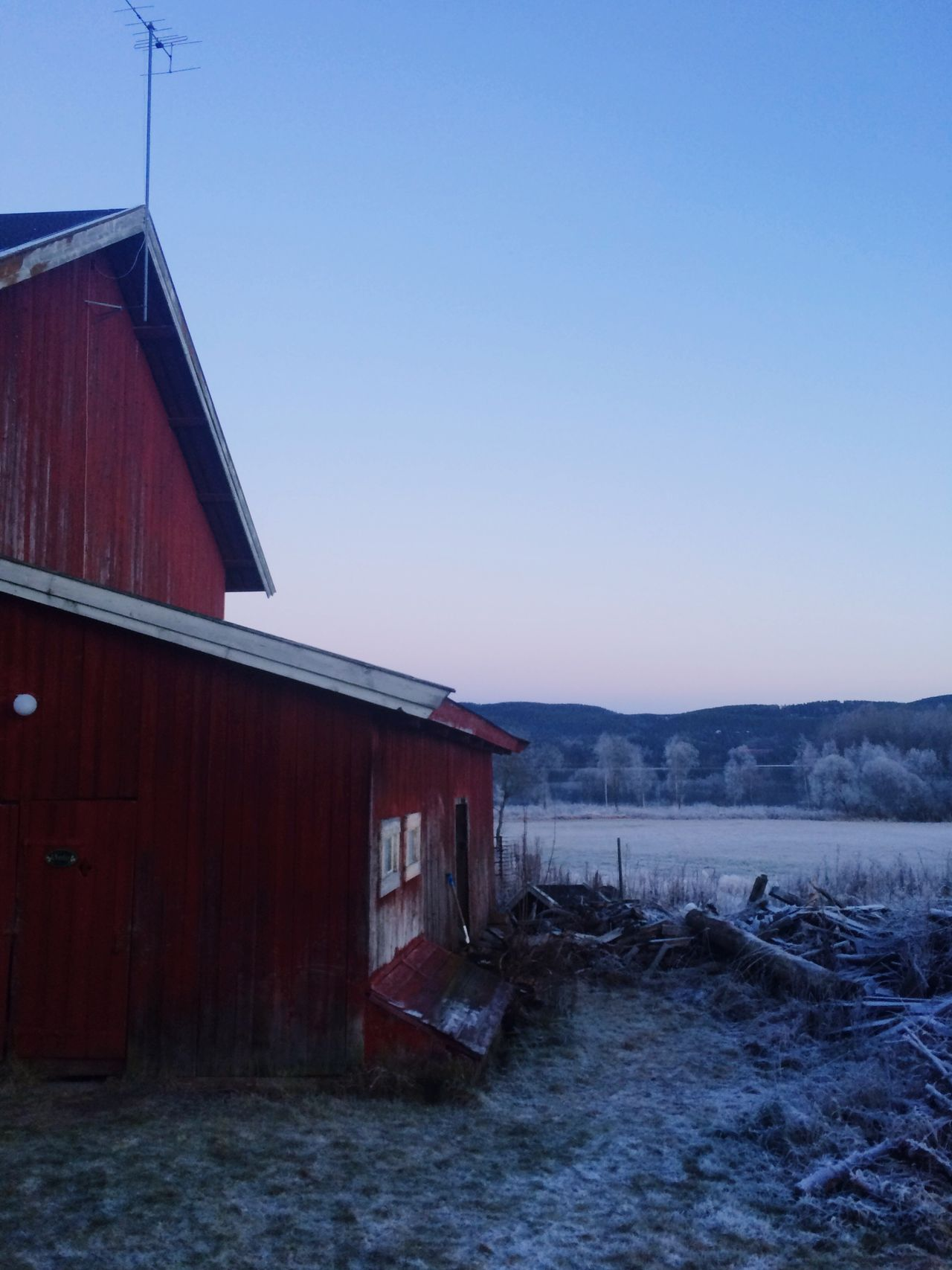 Vinter Gard i Oslo Wintertime Farm Norway Ice Frozen Natutre Frost
