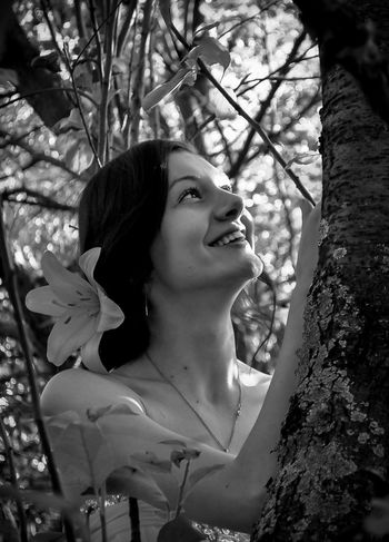 Young Women Young Adult One Person Tree Outdoors Beauty Beautiful Woman Day Smiling Real People One Woman Only Lady Blackandwhite Black And White