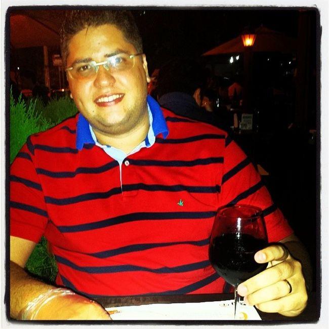 A melhor pizza de Fortaleza . E apreciando um bom vinho. Boa noite.