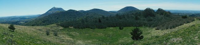 Panorama Panoramic Photography Mountains Volcanoes Volcano Crater Chainedespuys Auvergne France Sunny Afternoon Dayoff Landscape Nature Iloveauvergne