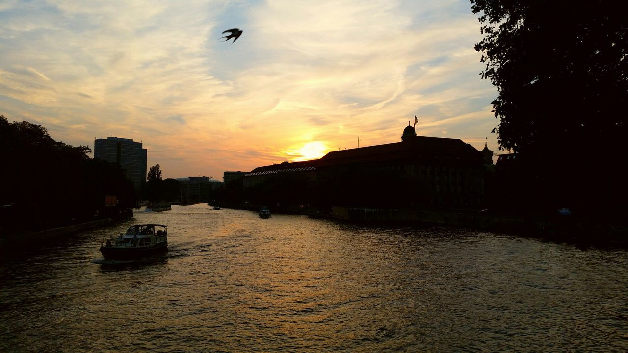 Mühlendamm Spree River Sunset Capture Berlin