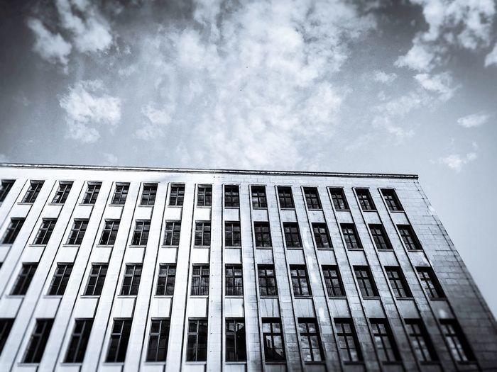 Massive Architecture Building Check This Out Impressive Streetphotography Artornot Eyem Best Shots Eyembestshots