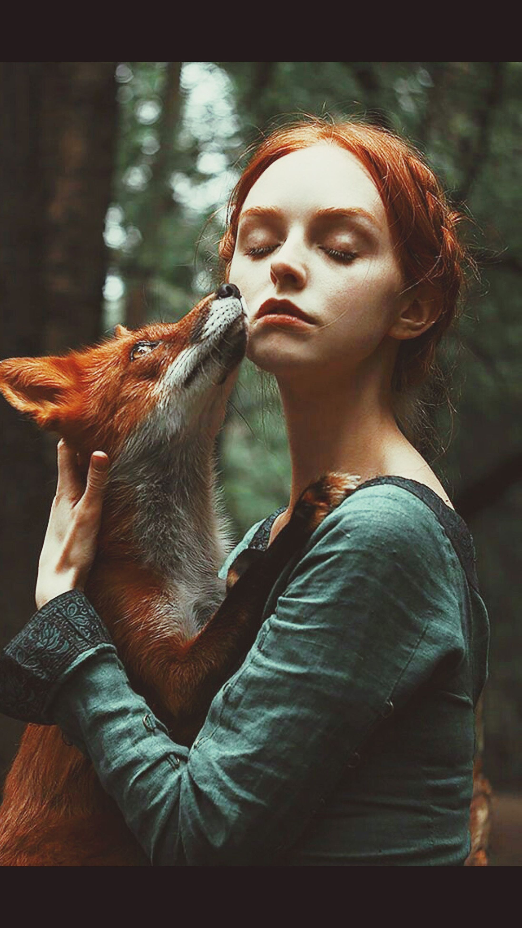 one animal, young adult, mammal, pets, dog, one person, domestic animals, young women, casual clothing, day, sitting, real people, women, outdoors, beautiful woman, nature, one young woman only, one woman only, adult, adults only, people