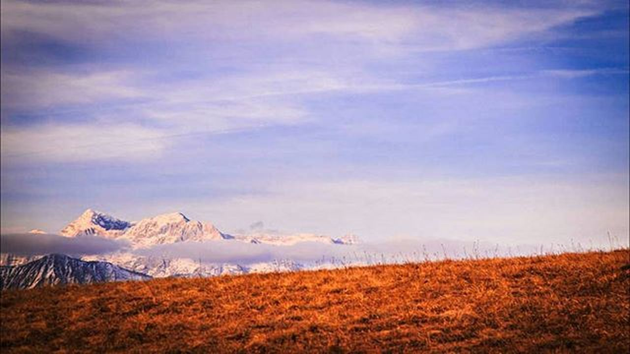 nature, scenics, landscape, mountain, beauty in nature, outdoors, field, tree, tranquility, autumn, sky, no people, sunset, winter, rural scene, fog, snow, day