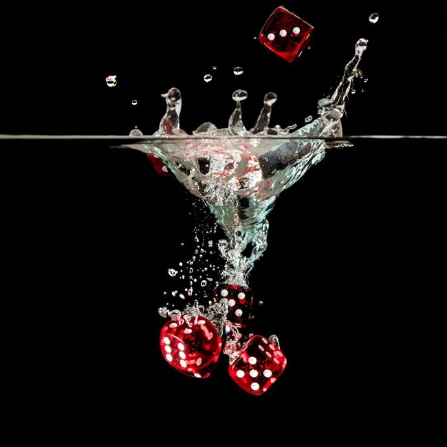 Close-up Motion Splashing Black Background Studio Shot Dark Red No People Splash Multi Colored Water Water Drops Eye4photography  Bubbles Black Background Cube Cubes GAMECUBE Game Cube Red Color Red Cube