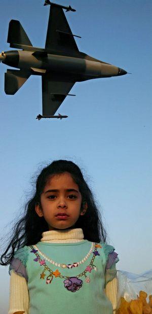 Everyday Joy Hello World Eye4photography  Streetphotography Karachi - Pakistan