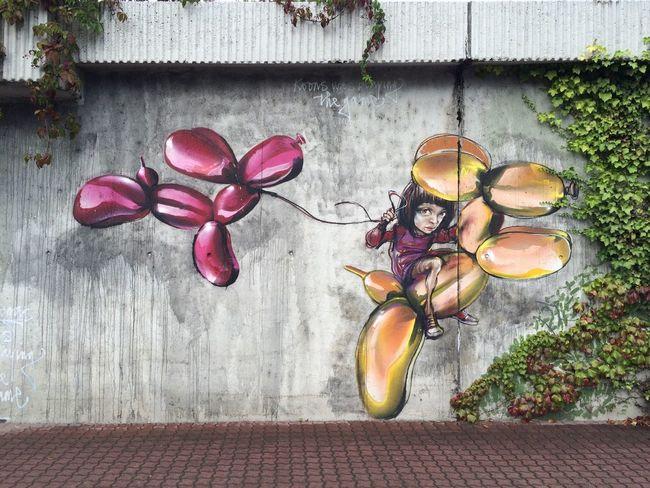 Koons was playing the game. Another amazing Graffiti Mural (tributing Jeff Koons) by Street Art Duo 'Herakut' in Bad Vilbel.
