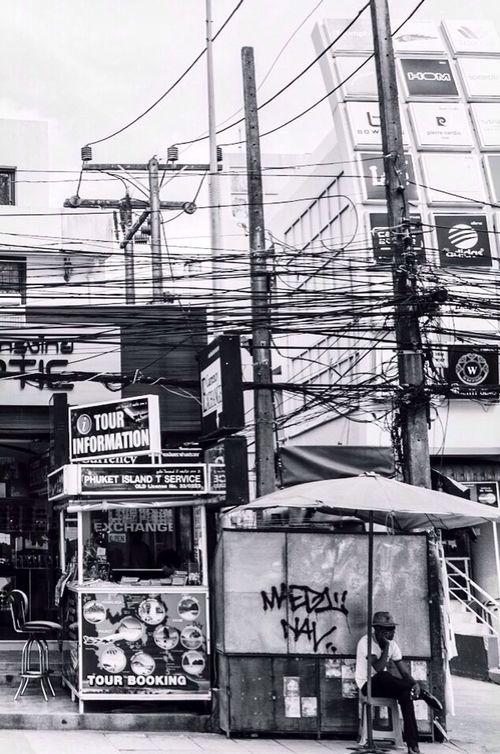 Cable world.. Street Life Black & White