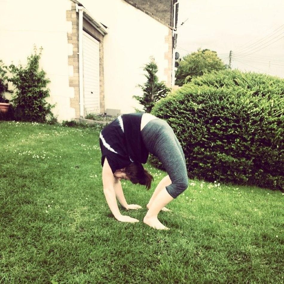 Always time for a backbend Yoga Backbend Flex Kinoyoga300k Yogaeverydamnday Garden Super Bend Happy Not Revising Green Love