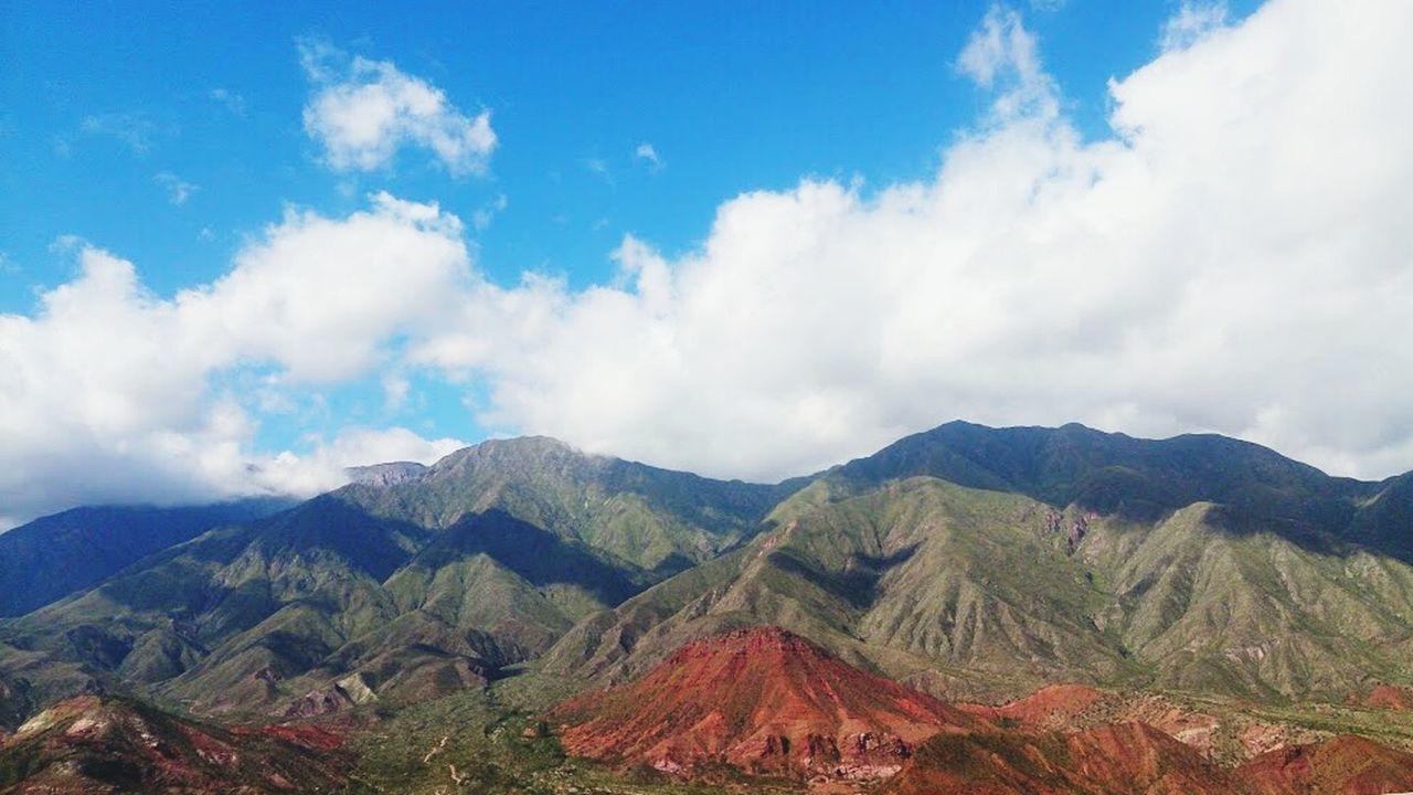 """Argentina Chilecito Cuesta De Miranda Mobilephotography Paisajes Argentinos Unico """"Para el que mira sin ver la tierra es tierra no mas"""" A.Yupanqui"""