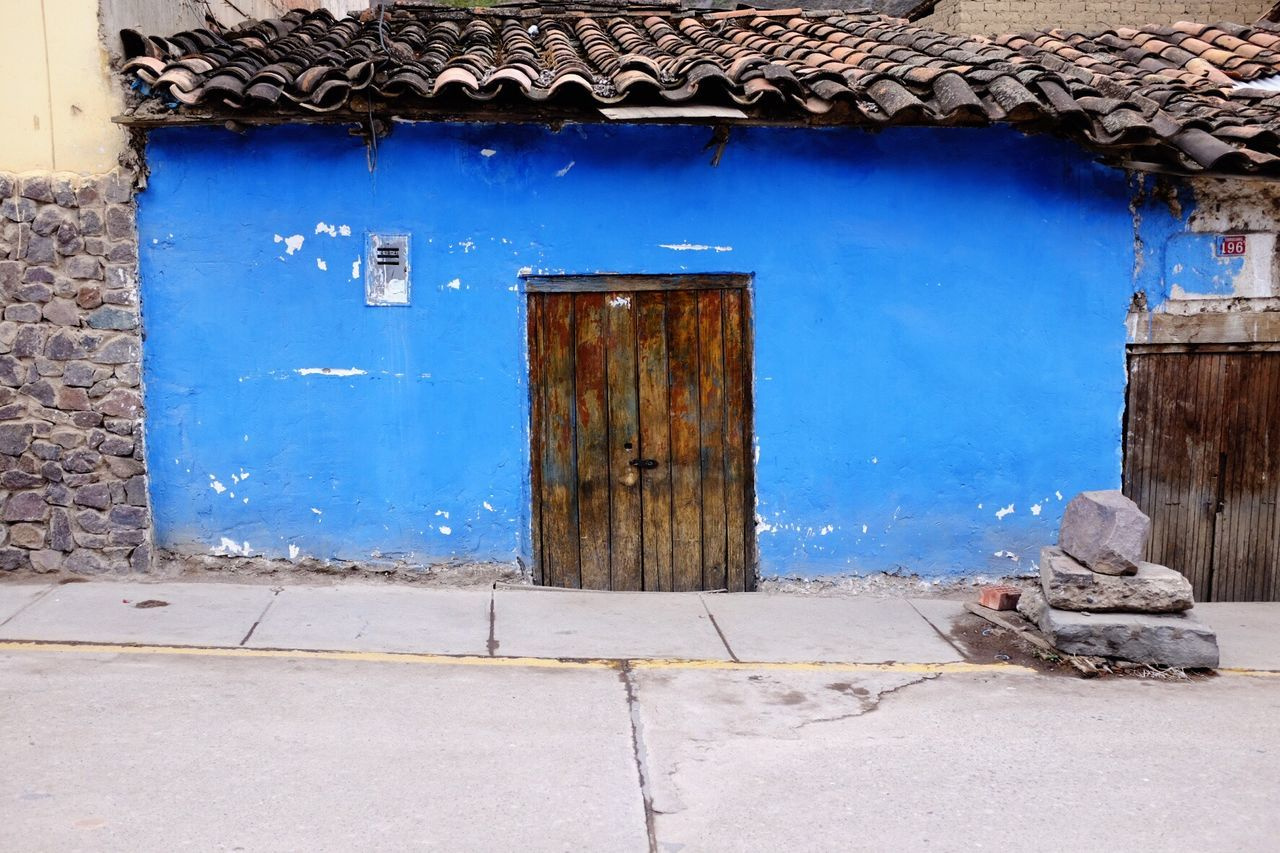 Blue walls little doors... Ollantaytambo Ollantaytambo - Peru Doors Bluewalls Blue Azul Puertas Pequeñas Puerta Peru Peruvian Blue House