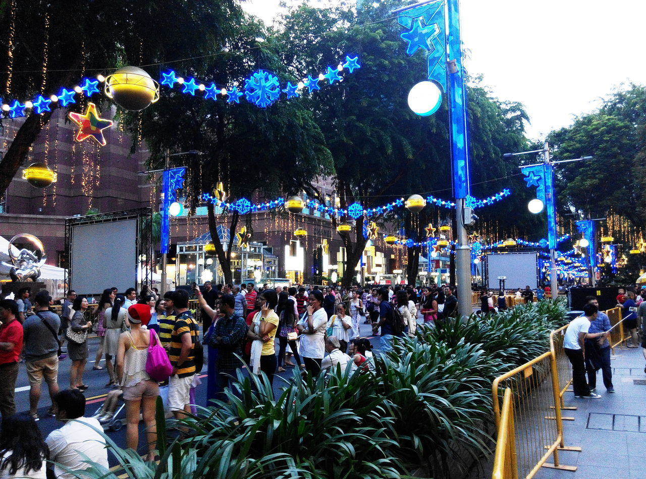 Festive Mood strolls City Life Cityscape Crowded Festive Crowds Festive Season Shopping Shopping Center Shopping Time