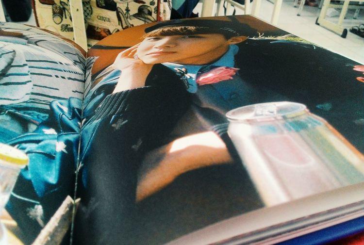 Cố lên tôi ơi, còn rất nhiều điều đang đợi phía trước. Cô Diệu nói rồi đó. Mình có thể mất đi rất nhiều thứ, mất cả bạn nhưng phải rồi vững chãi hơn, hi vọng một cánh cửa mới sẽ mở ra cho mình, tốt đẹp hơn, hạnh phúc hơn, Tuyền nhé!! 😊😊 Album Young Forever J-hope Bts J-hope❤ Last Day Of School In The Class Under The Desk .. BTS Bangtan Boys Be Strong Girl 화이팅💪 Chaiyo💪 Fighting💪 My Friend ❤ Today 24/6/2016 6daysleft