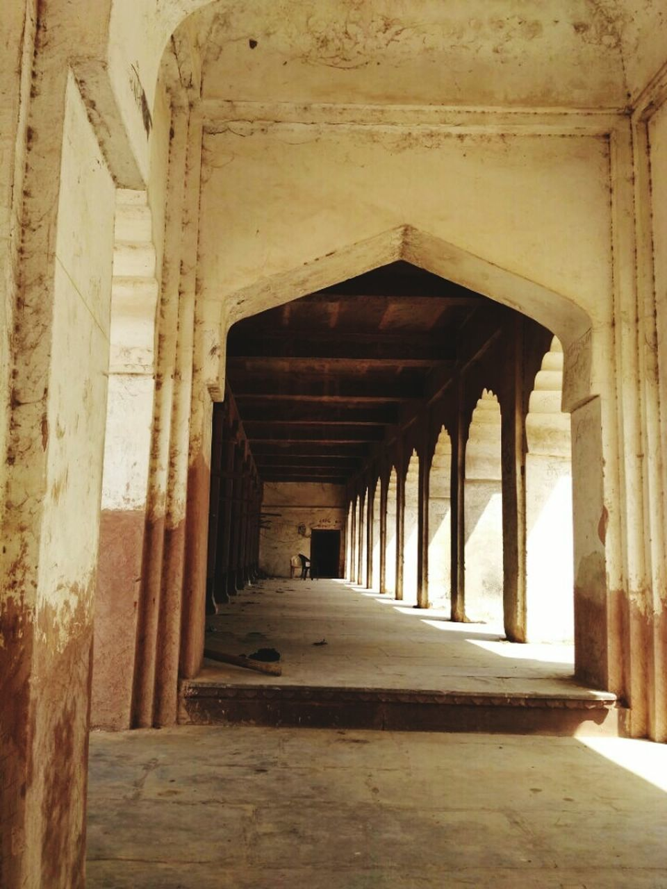 indoors, architecture, built structure, corridor, the way forward, no people, architectural column, sunlight, day
