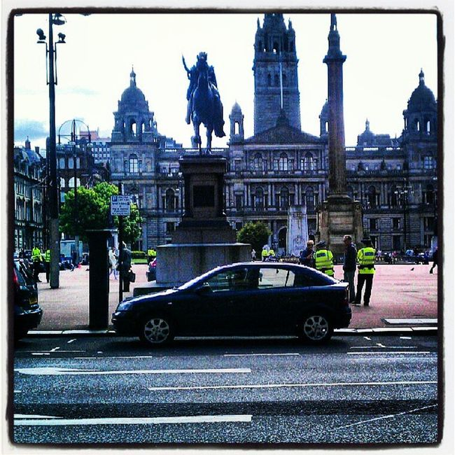 Scotland Glasgow  Georgesquare Popo