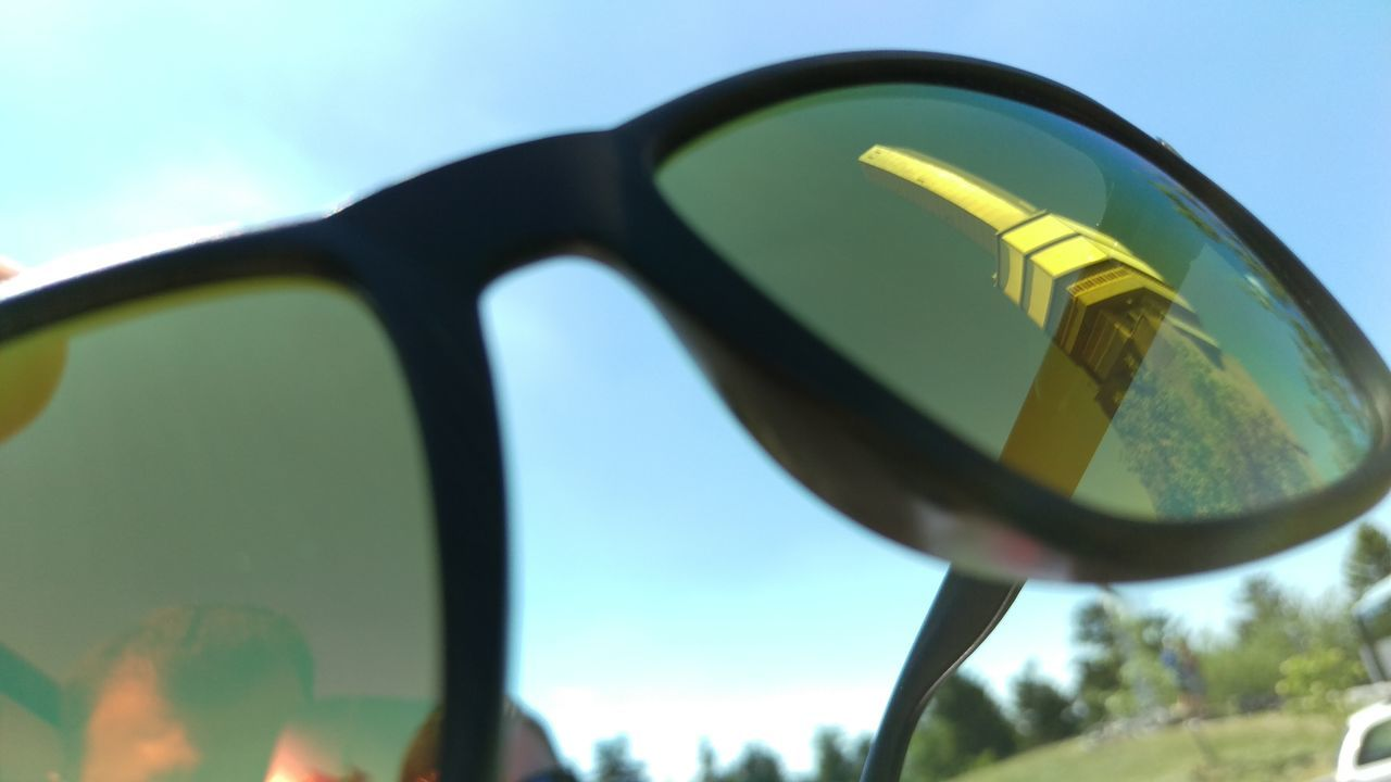 Close-up Day Green Color Mirror Mirror Picture Mirror Reflection No People Outdoors Sky Sunglass  Sunglasses Sunglasses Reflection Sunglasses👓 Tower