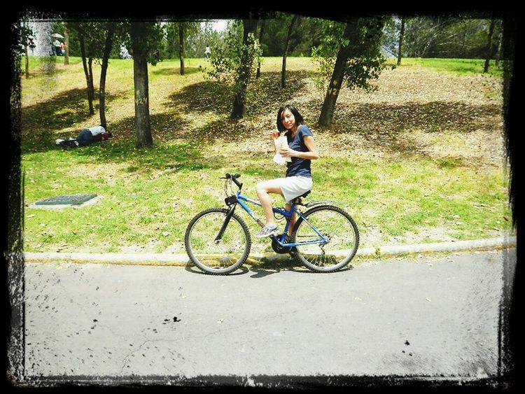 me encanta andar en bici! :D Excercising Hi! On The Road That's Me