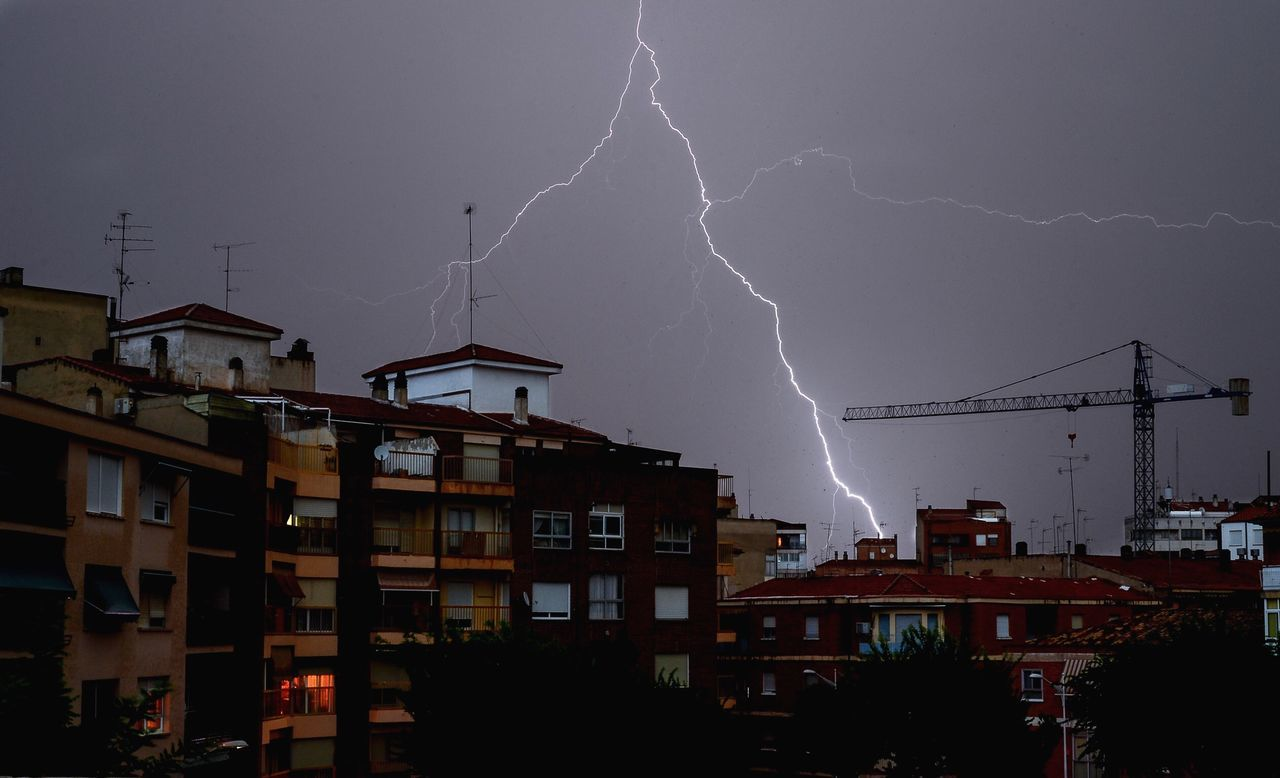 Beautiful stock photos of storm, Apartment, Building Exterior, City, Dramatic Sky