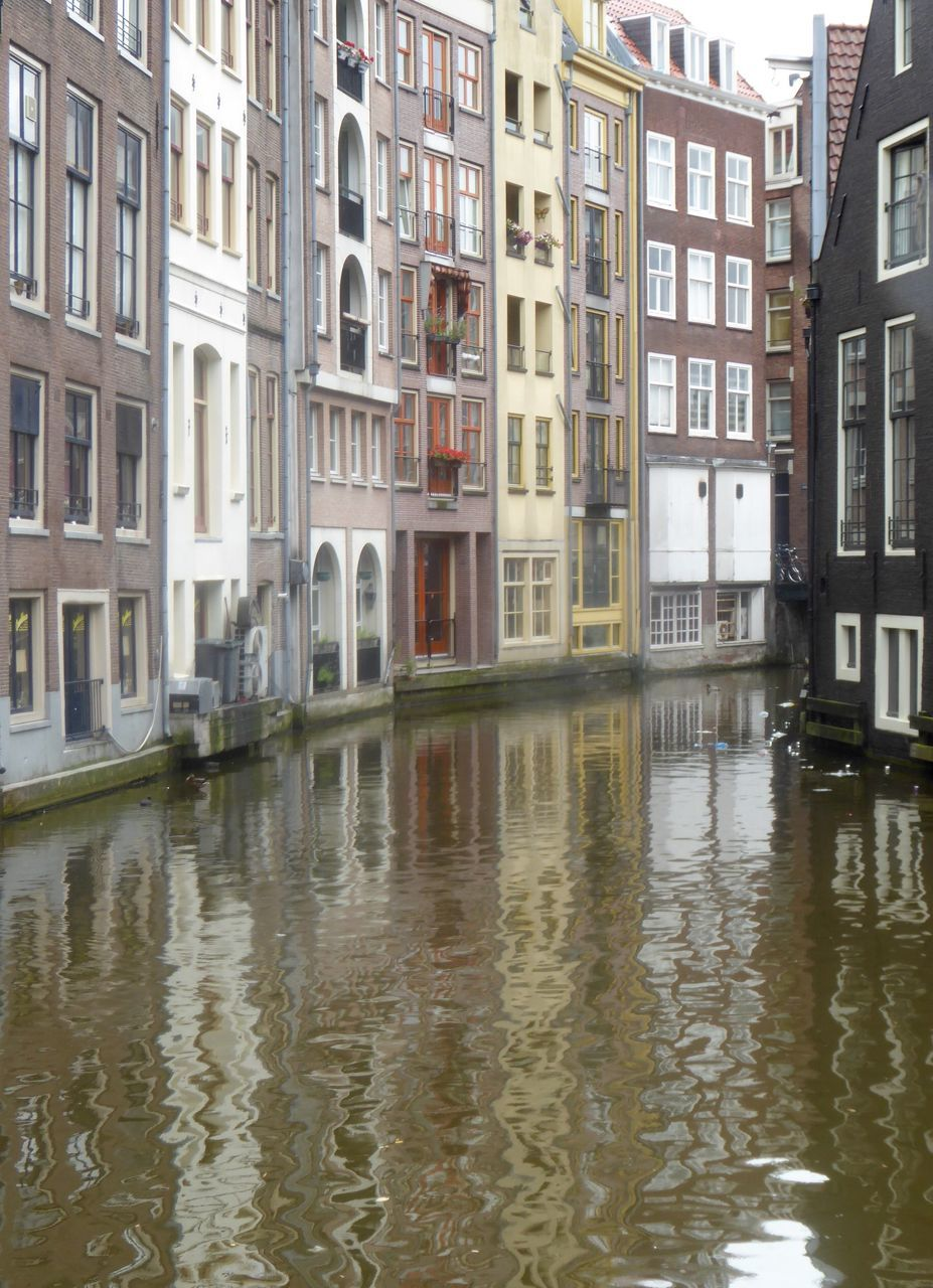 architecture, building exterior, water, waterfront, window, outdoors, no people, built structure, day, city, flood
