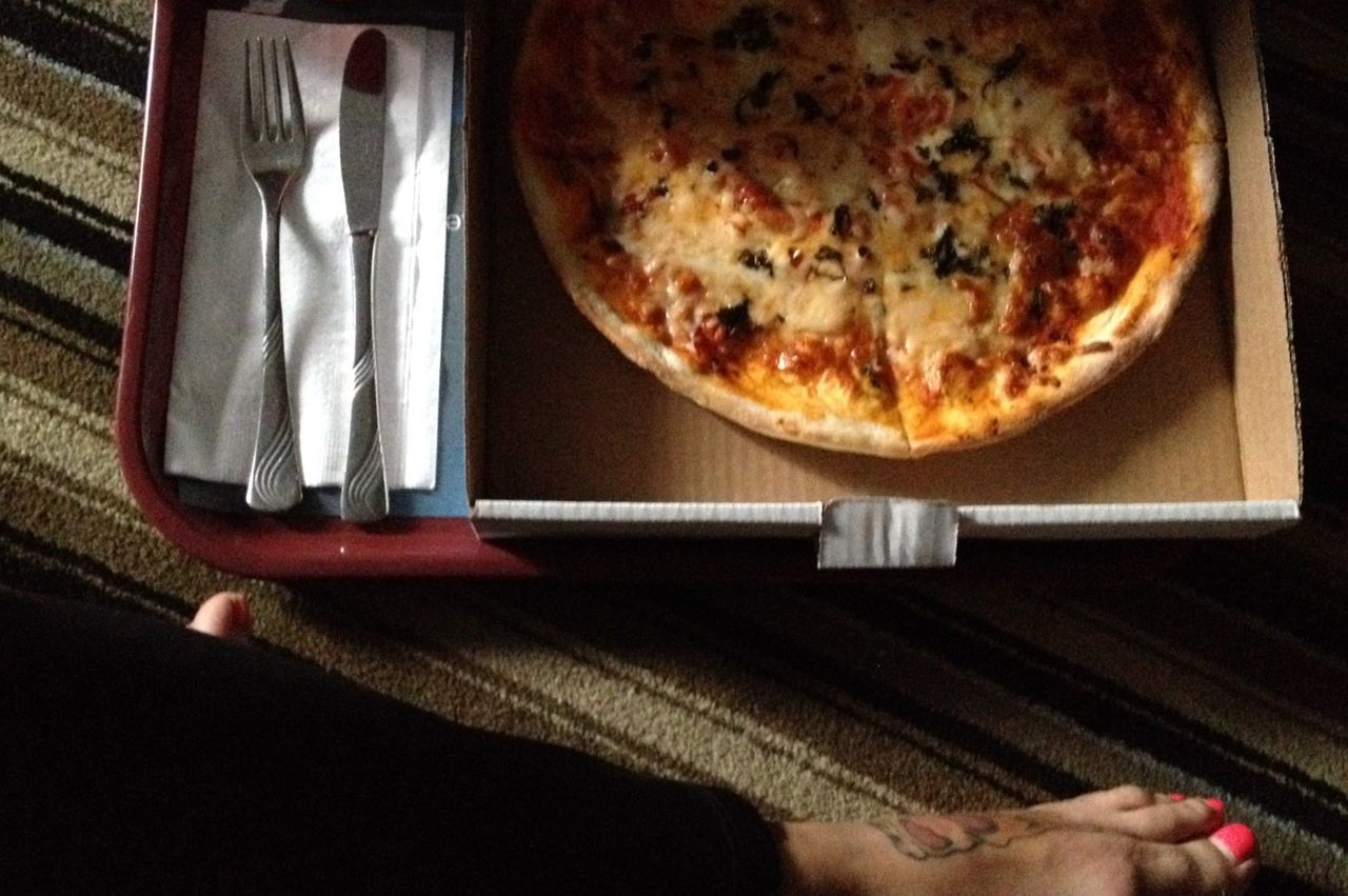 On a date with myself ☺️ and pizza... Iphoneonly No Filter Selfiesunday Pizza In A Box Cutlery Ordering Room Service Ordering Food Staying In Crossed Legs Bare Feet Pink Toenails Pizza Tattoo Foot Tattoo Motel Pizza Show Us Your Takeaway!