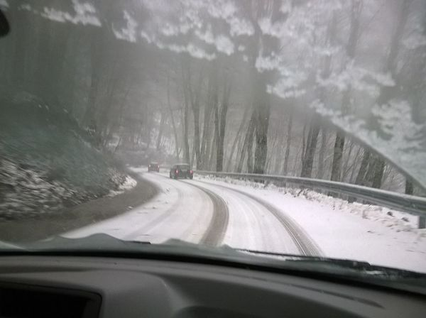 Slippery Road Car Point Of View Mountain Road Slippery Roads Snow Day Snowing Transparent