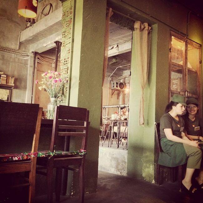 Cộng Coffe...Lạ hen, đẹp hen, rất chi là xưa...thích r hén..??? Congcofffe Danang Hanriver Riverview antique peace love enjoy