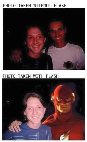 With Flash, without Flash 😂😁 Flash Funny Photography Fun LensOFF