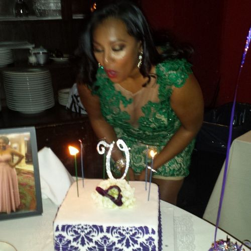 Talk about a memorable birthday weekend!!! ValsDirty30Fete Bestwishes Foryoualways Blowingoutthecandles celebratinglife theresalwaysroomforcake eatandenjoy livewell laughoften lovemuch LASH