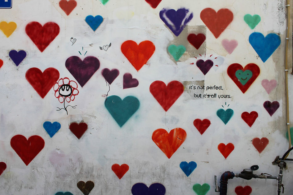 Abundance Arrangement Backgrounds Close-up Day Design Flooring Full Frame Geometric Shape Graffiti Hearts Heartshape Multi Colored No People Pattern Red Repetition Still Life Tile Wall
