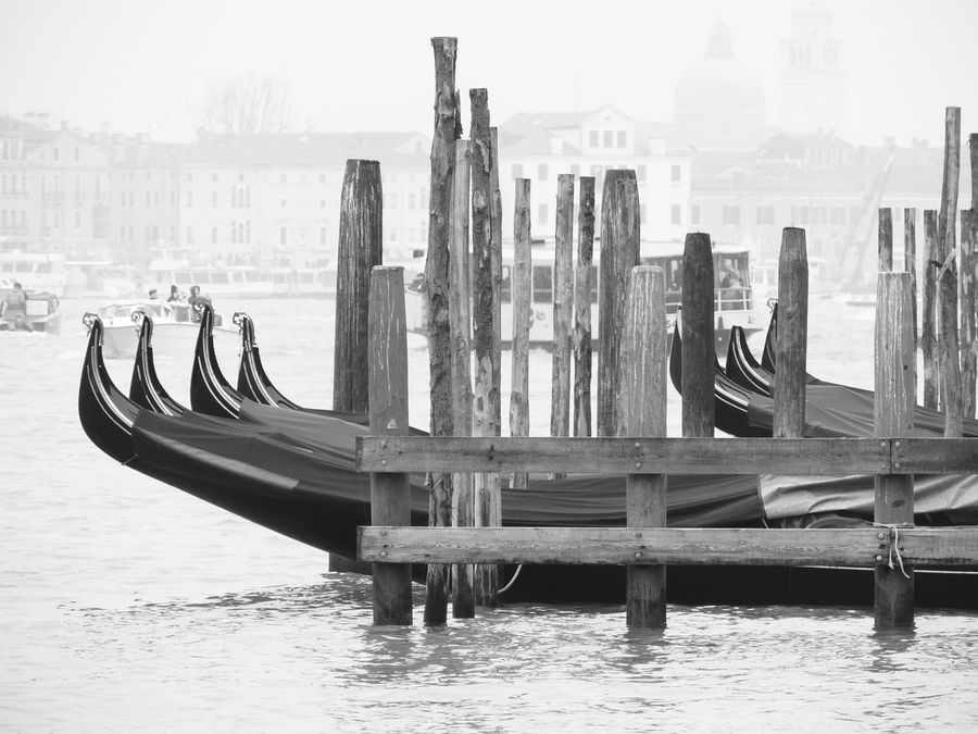 Canals And Waterways Gondola Gondole Gondole In Venice Gondoletta Parking Sea Venice Venice Italy