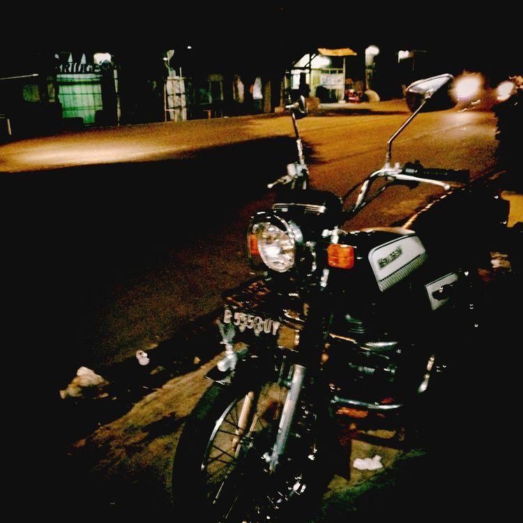 Kawasaki Kz200 Classic Bike Binter Stay Classy