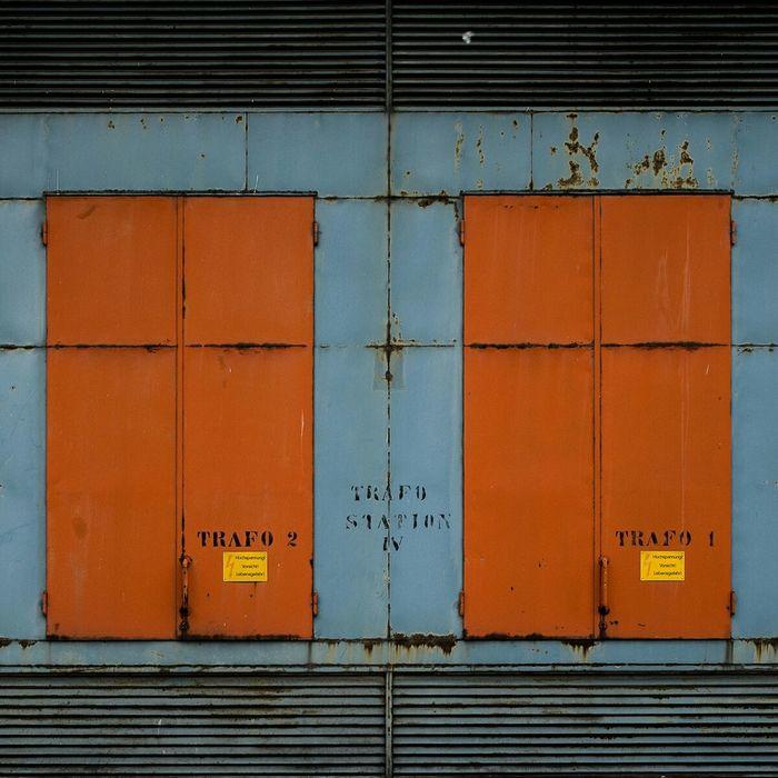 Vienna Trafo Doors Orange Industrial Power Station Architecture Urban Urban Geometry Architectural Detail