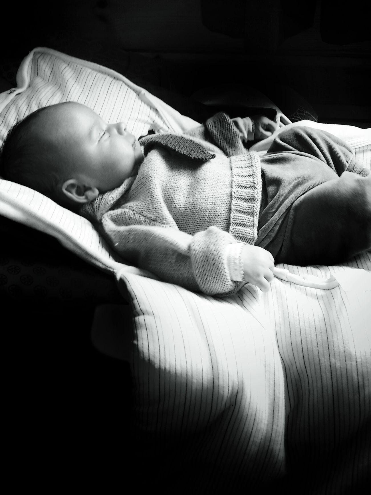 chuuutttttt!! monsieur le ministre est en séance... Shootermag Gang_family Baby Monochrome