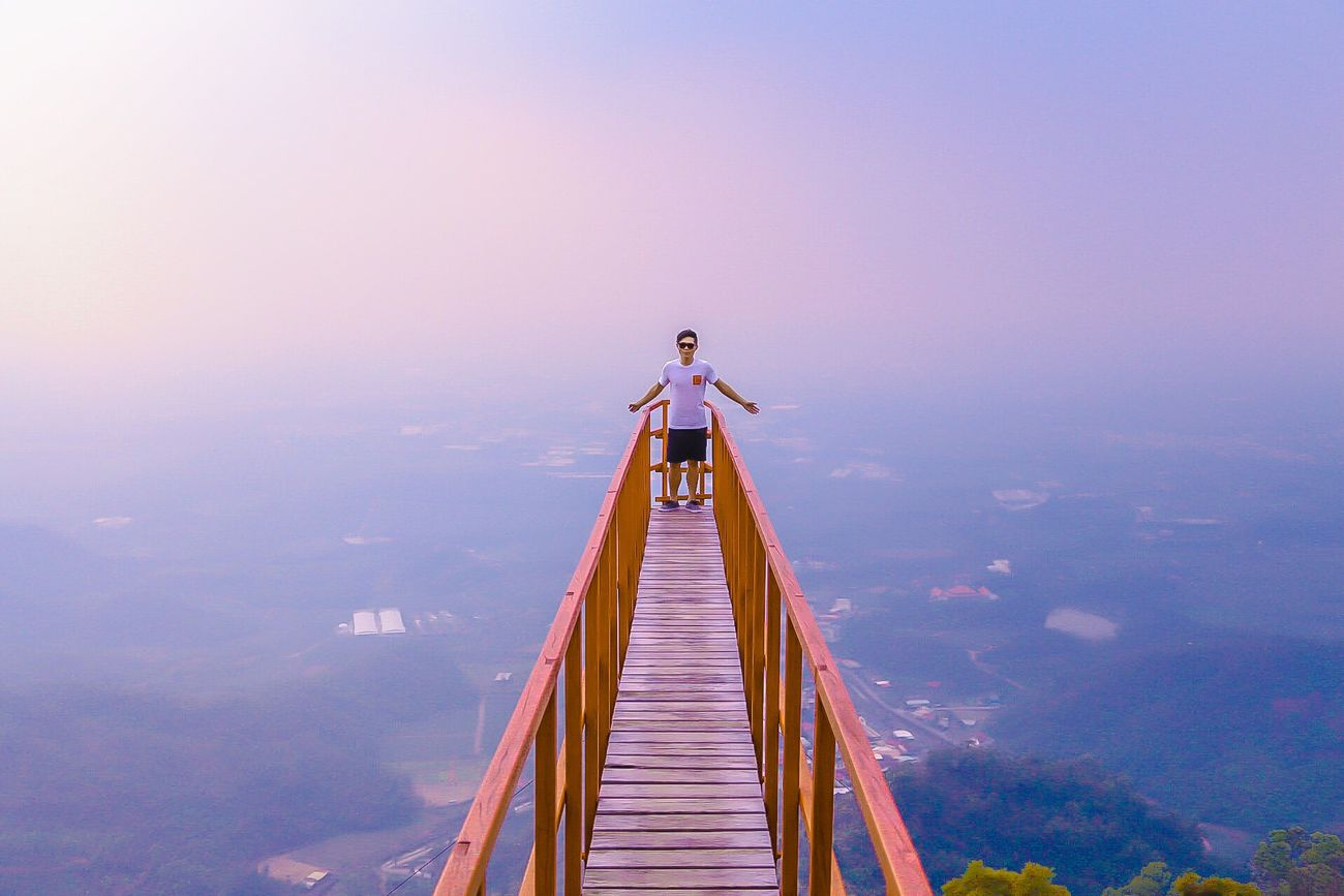 Stay high/// High Sky And Clouds Mountains Restaurant Hello World Relaxing Taking Photos Pintung