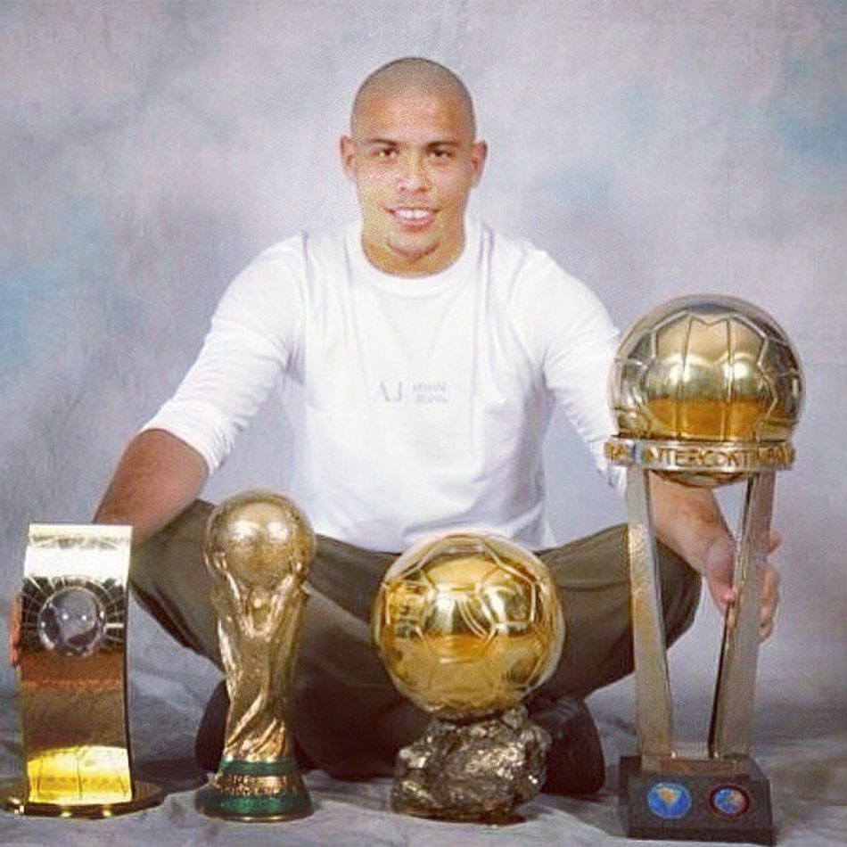 Happy Birthday Ronaldo, it's not to late I guess. Legend Thegreatestever .