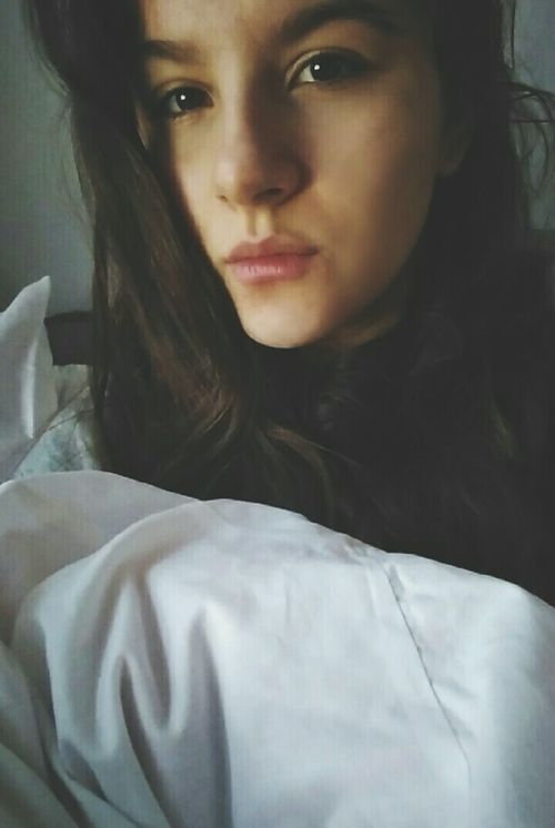 Hello Polishgirl Brown Hair Brown Eyes Magnetic Eyes Goodday Beaytifulday Artisticos Darkgirl Hahahah I Would