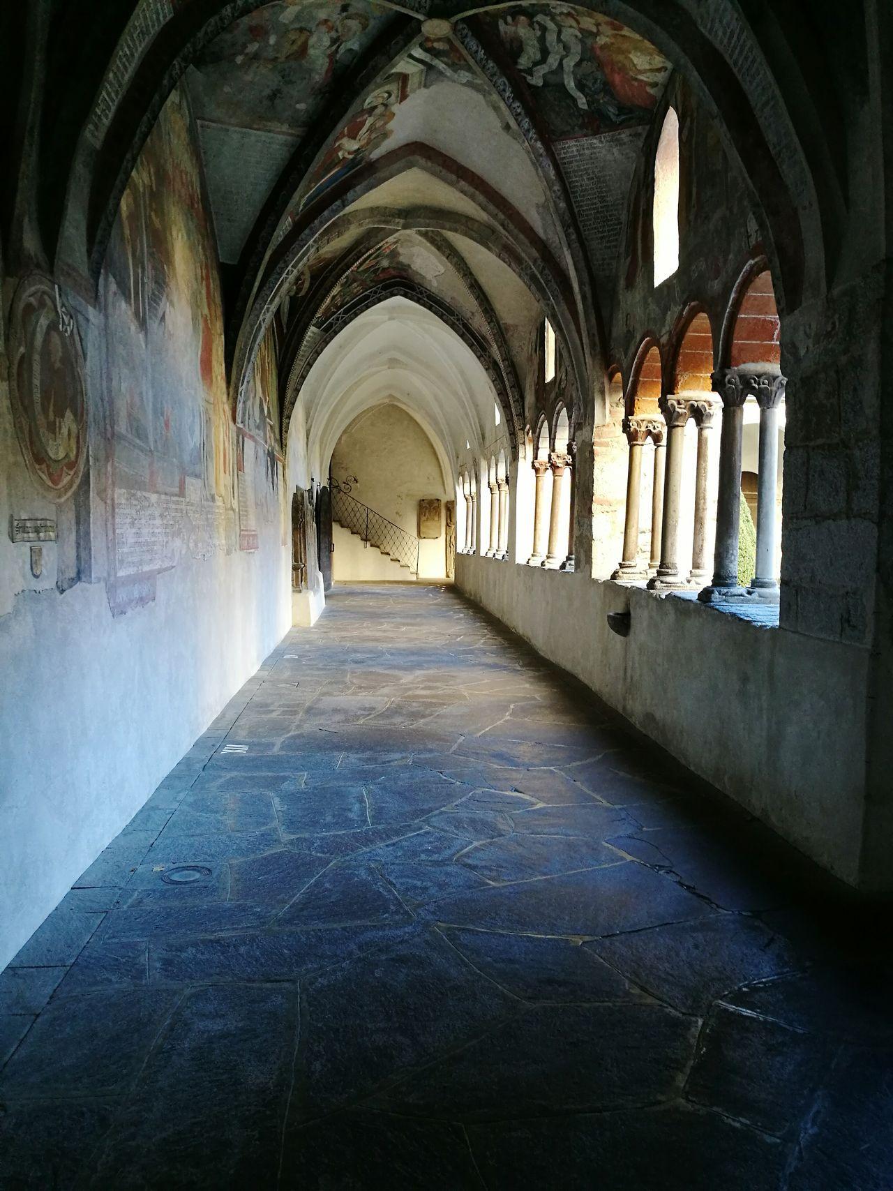 Bressasone chiostro duomo Arch History Travel Destinations No People Architecture Architectural Column Built Structure