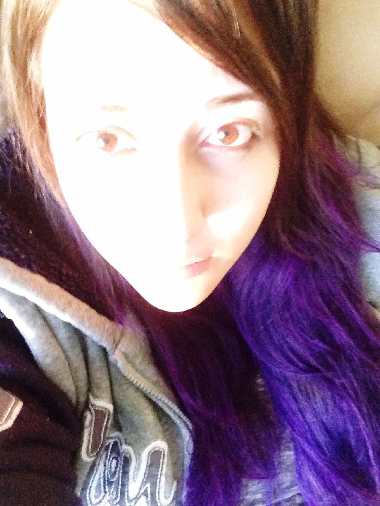 Overexposed Purple Hair Morado Sobreexpuesta