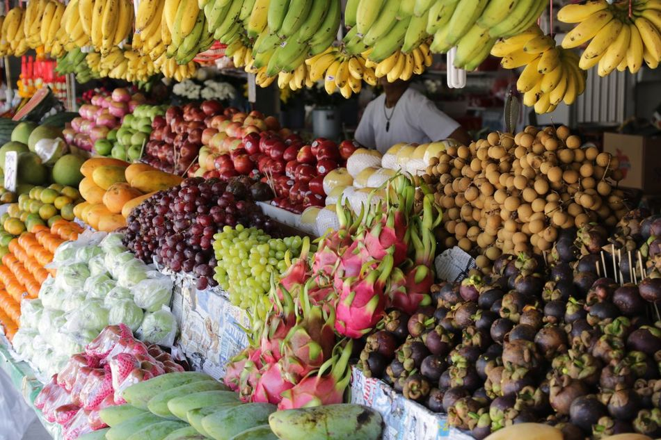 Fruit Market Retail  Market Stall Freshness Pineapple Food Food And Drink For Sale Healthy Eating Variation Choice Large Group Of Objects Multi Colored Outdoors No People Farmer's Market Day Fruits Exotic Fruits Market Marketplace