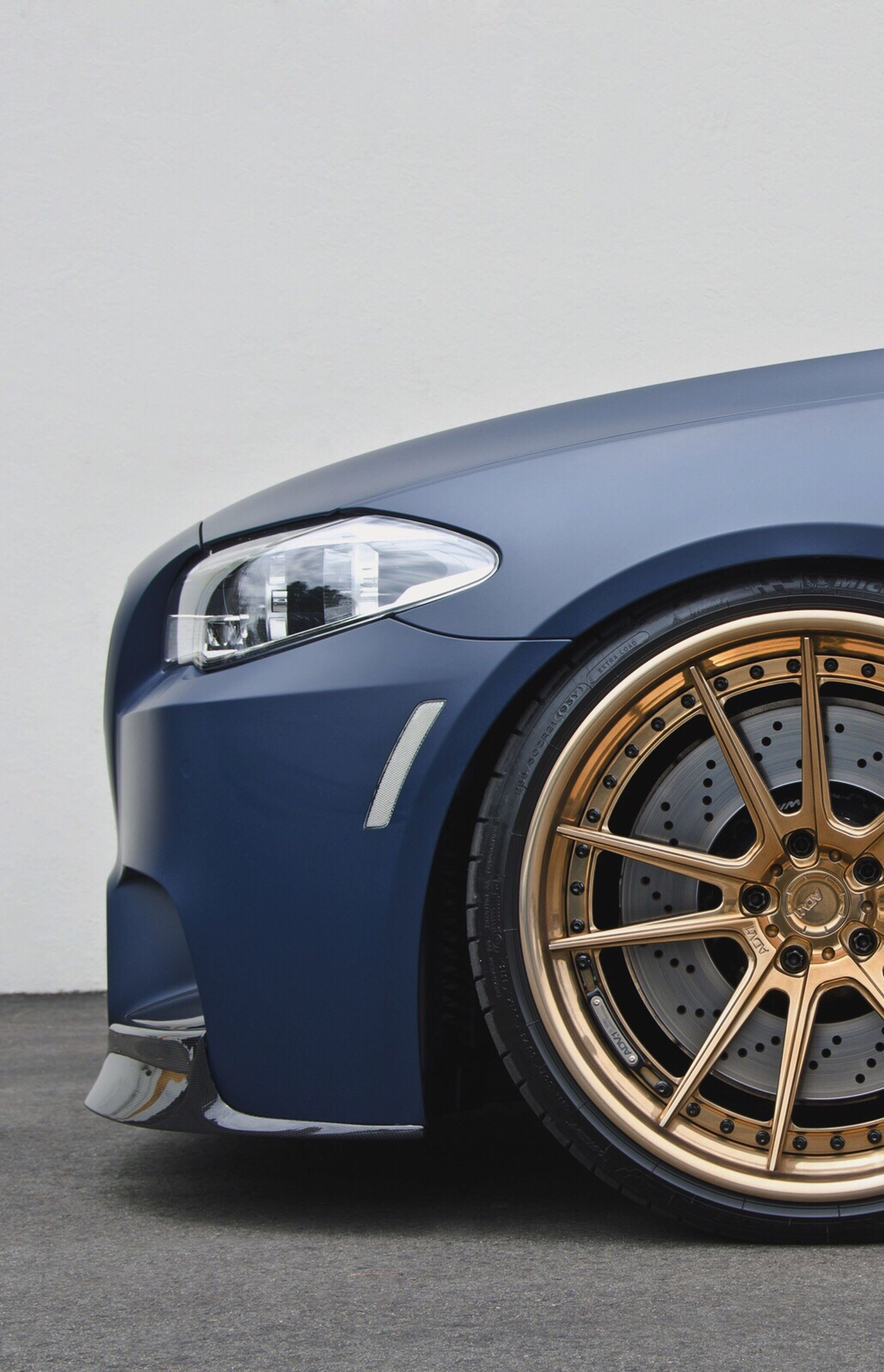 car, transportation, wheel, mode of transport, luxury, no people, close-up, outdoors, day, tire, collector's car