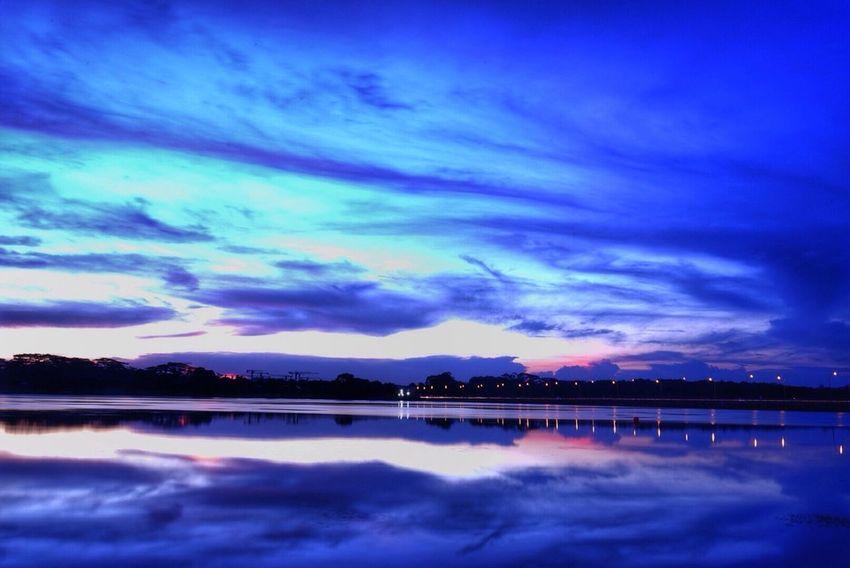 Park Photooftheday Lightstreaks Night Photography Sunset Silhouettes Sunset Sunset #sun #clouds #skylovers #sky #nature #beautifulinnature #naturalbeauty #photography #landscape