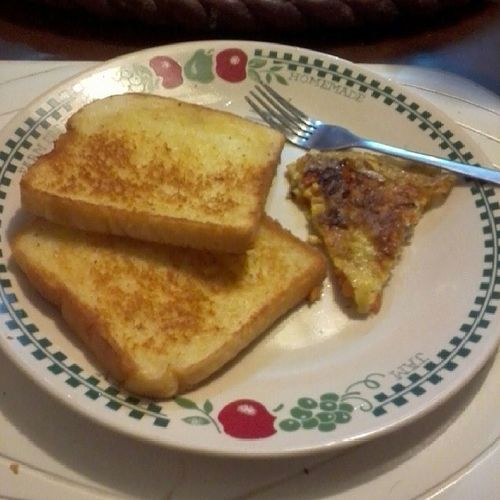 Breakfast. Toasts and omelette. Brrrr Morningmunch Escapefromthecity Goodeats foodie foodography