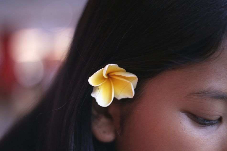 Date on Nyepi Day Close-up One Person Human Body Part Day Flowerporn Flower Photography Photoshoot Natural Beauty Natural Light Portrait Natural Hair Frangipani Plumeria Bunga Kamboja Nature