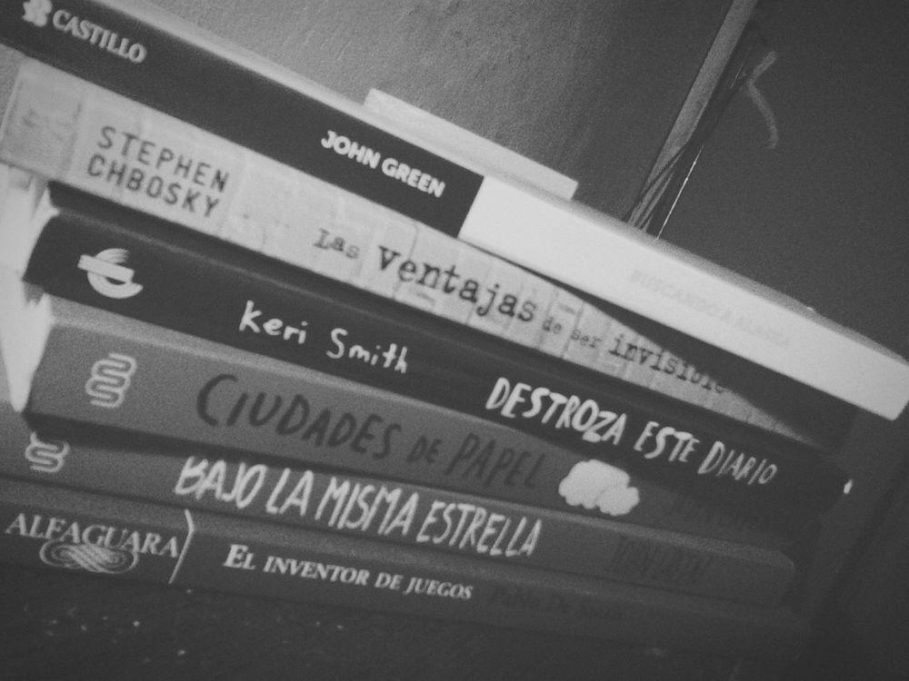 Depth Of Field Books Biblioteca Libros John Green Destrozaestediario BajoLaMismaEstrella CiudadesDePapel Mis libros♡