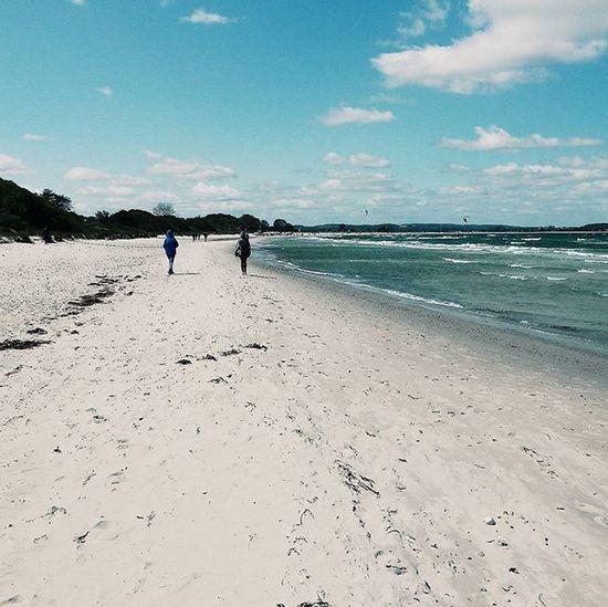 Ostsee! Beach Ostsee Germany Bluesky Sand Visualsoflife Exploretocreate Letsgosomewhere Somewheremagazine Halfandhalfproject Clouds Kitesurfers Spring Schleswig -Holstein Wolkenliebe Outdoors Fernwehcollective Justgoshoot Wanderlust