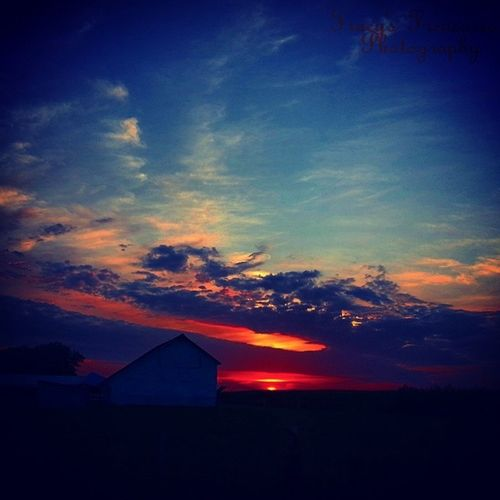 Absolutely beautiful Tracyjule , Igrsbest , Illinois , Chicagoigrs , Manhattan, peaceful, sunset, summertime, tracys_treasures_photography, tracyj2472, manhappenins